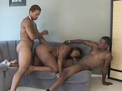 XXL Ebony is in the mood for a threesome